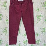Стильные укороченные зауженные бордовые брюки