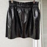 Лаковая юбка с присборенным поясом на резинке