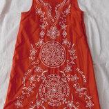 Платье хлопок с вышивкой Gap 8-9 лет