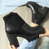 Скидка Кожаные женские черные осенние ботинки на устойчивом каблуке натуральная кожа