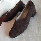 Кожаные туфли балетки