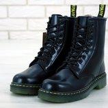 Черные женские ботинки с мехом dr martens