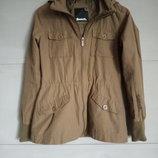 Фирменная куртка.милитари, хаки курточка. куртка на завязках . лёгкая курточка. bench