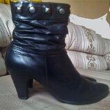 Демисезонные кожаные утепленные, полусапожки, ботинки р.39 стелька 26 Tamaris