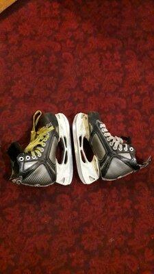 Хоккейные коньки Easton