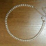 Золотистый чокер ожерелье цепочка с камнями эйвон