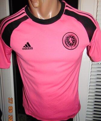 Спортивная футбольная фирменная футболка зб Шотландии Adidas Адидас .9-12 лет .