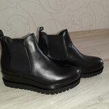 Новые фирменные ботинки Tamaris р.40 Германия .