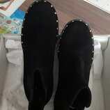 Крутые замшевые ботинки в стиле Zara