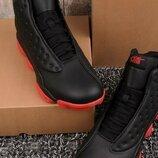 Мужские кроссовки с красной подошвой