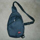 Мужская спортивная тканевая сумка через плечо слинг рюкзак бананка crossbody черная