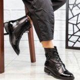 Ботинки, натуральная кожа и лак, черные
