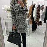 Кашемировое пальто на пуговицах. Цвет- гусиная лапка, Размер S-M