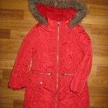 красное теплое пальто TU на 5-6 лет