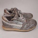 Ботинки кроссовки кожаные размер 28