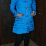 В наличии Куртка голубая на худенькую и высокую девушку на тонком синтепоне