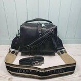 Женская кожаная сумка черная с цепочкой жіноча шкіряна чорна стильная