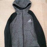 Продам в идеальном состоянии, фирменную Adidas, красивенную спортивную кофту, 8-10 лет.