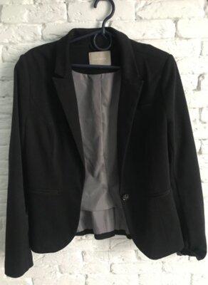 стильный женский чёрный пиджак Orsay