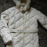 Пуховая стеганная теплая куртка .Размер S большемерка.Замеры на фото.Состояние отличное.