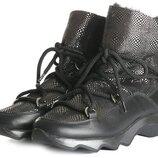 Женские зимние ботинки на рельефной подошве и цигейке