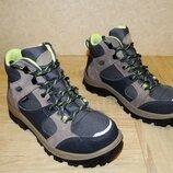 р. 34-35 Треккинговые ботинки Quechua , 22, 5 см. по стельке