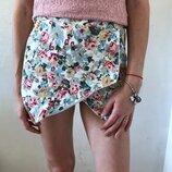 Стильные интересные шорты в цветы New Look размер 8