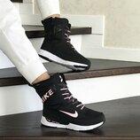 Зимние женские сапоги Nike черно розовые 8556