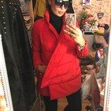 Эффектная красная куртка одеяло