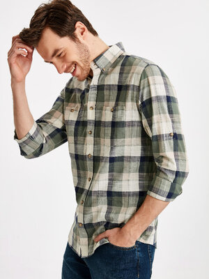 Мужская рубашка LC Waikiki / Лс Вайкики в клетку цвета хаки и карманом с пуговицей на груди