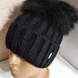 Стильная женская ангоровая шапка с натуральным мехом с помпоном с бубоном черная
