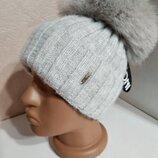 Стильная женская ангоровая шапка с натуральным мехом с помпоном с бубоном серая