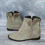 38р Замша,кожа Новые Bata Италия серые ботинки на скрытой танкетке