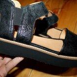 41 разм. Шикарные сандалии Gidigio. Кожа. Made in Italy Длина по внутренней стельке 27 см.замер от к