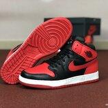 Кроссовки мужские Nike Air Jordan 1 Retro красно черные 8577