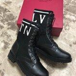 Женские кожаные ботинки Valentino