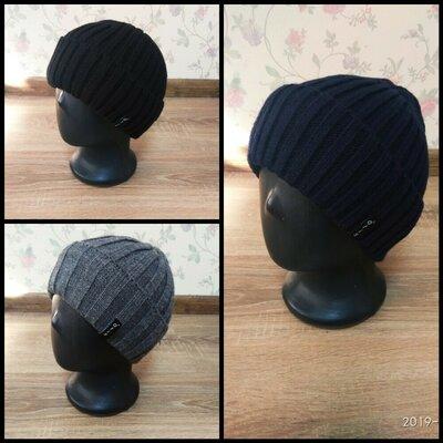 Молодежные вязаные шапки 54-56 размер