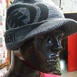 Теплая двойная шапка с козырьком