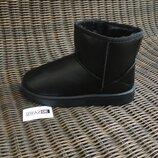 Угги короткие низкие эко кожаные ботинки дутики черные женские