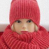 комплект шапка с высокой макушкой и шарф-хомут цвет коралловый
