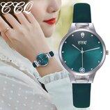 Модные стильные оригинальные женские часы CCQ