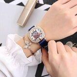 Модные стильные оригинальные женские часы c совой