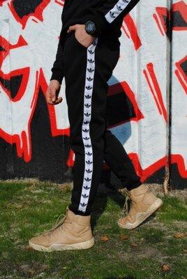 Штаны утеплённые чёрные с бело-чёрными лампасами Adidas