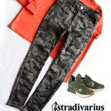 Актуальные джинсы милитари от Stradivarius