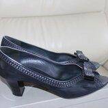 Туфлі італійського бренду Accademia