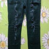 Темно-Зеленые джинсы -рванки 44 р