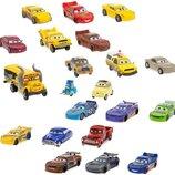 Disney Cars 3 Тачки 3 набор с 21 машинкой Exclusive 21-Piece Mega Figurine Playset