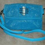 Женская сумка клатч кроссбоди голубая со стразами