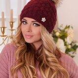 зимняя шапка с мехом енота, цвета