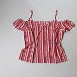 Креповая блузка с открытыми плечами